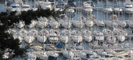 Pressures of nautical tourism on coastal areas