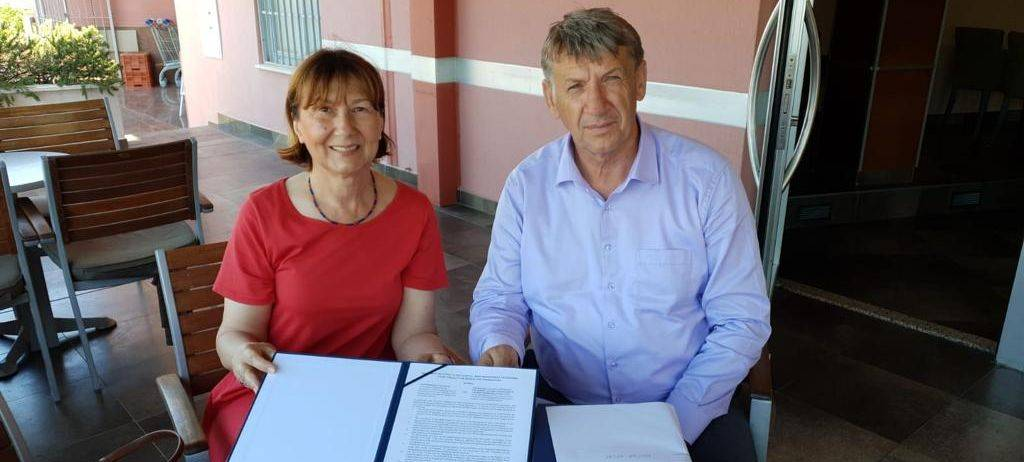 Agreement for CAMP B&H signed